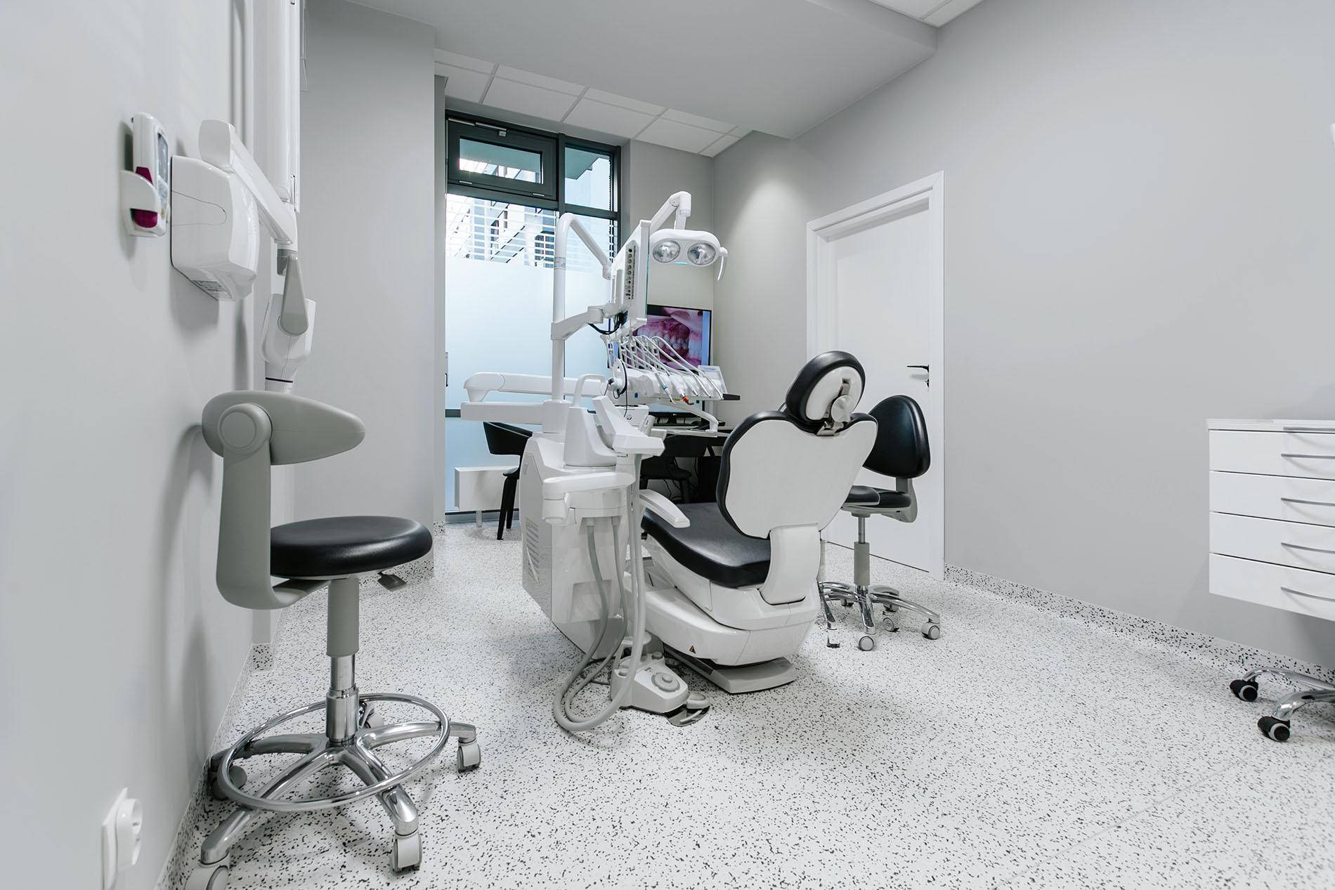 stomatologia estetyczna warszawa wola
